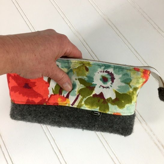 Essential Oil, Cosmetic Clutch - PDF Sewing Pattern at Makerist - Image 1