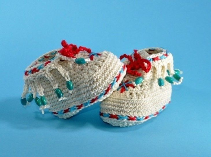 Baby shoes moccasin crochet pattern at Makerist - Image 1