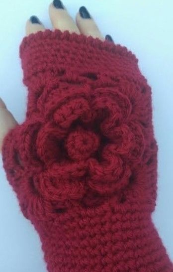 Rose Wrist Warmers at Makerist - Image 1