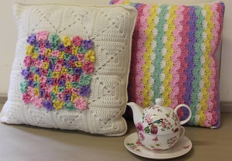 Flower and Stripe Crochet Cushion Pattern at Makerist - Image 1
