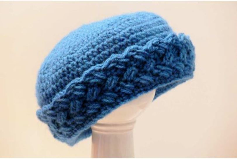 Winter Hat with Brim Crochet Pattern at Makerist - Image 1
