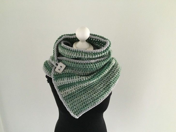 Crochet Pattern for a Button Scarf  at Makerist - Image 1