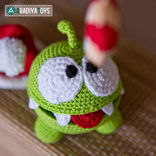 "Crochet Pattern of Om Nom from ""Cut The Rope"" by AradiyaToys at Makerist - Image 1"