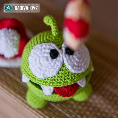 "Crochet Pattern of Om Nom from ""Cut The Rope"" by AradiyaToys"