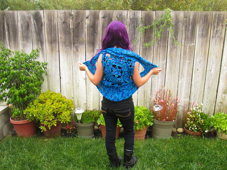 Flower Pixie Vest Pattern at Makerist - Image 1