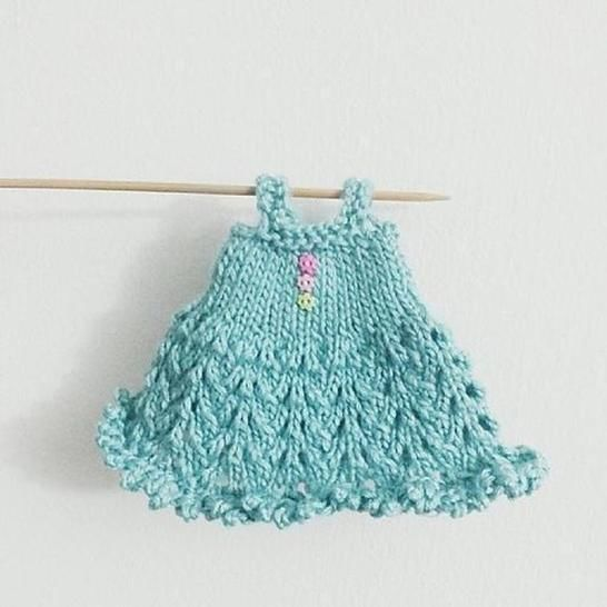 Blythe Knitted Lace Dress Pattern at Makerist - Image 1