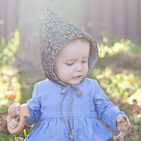 Pixie Hat - Unisex PDF Sewing Pattern - Sizes Infant to age 10 at Makerist