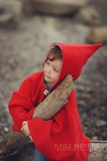 Little Red Riding Hood Cape - PDF Sewing Pattern at Makerist - Image 1