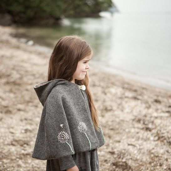 Traveller Cape - Unisex PDF Sewing Pattern at Makerist - Image 1