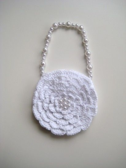 Crochet bag, Rose bag, Pattern No15, in both UK and US crochet terms at Makerist - Image 1