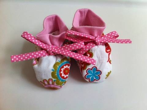 DIY Nähanleitung Babyschuhe inkl. Schnittmuster
