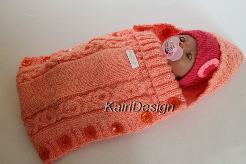 Baby doll sleeping bag- knitting pattern at Makerist - Image 1