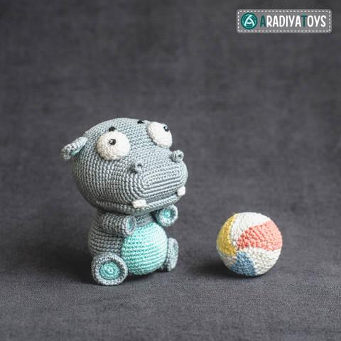 Modèle au crochet de l'Hippopotame Bruno de «AradiyaToys Design»