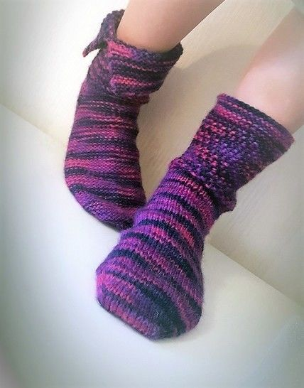 Aiden - Reversible Socks Knitting Pattern For Worsted Weight Yarn. Quick and Easy Pattern! at Makerist - Image 1