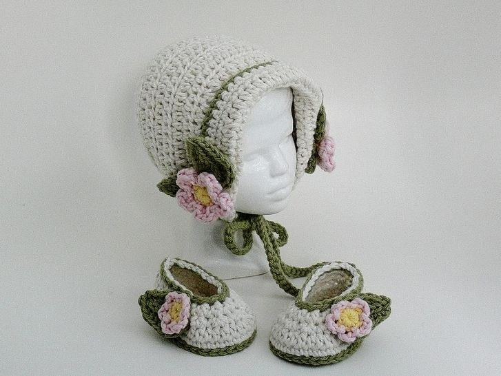Baby Girl Bonnet and Slippers at Makerist - Image 1