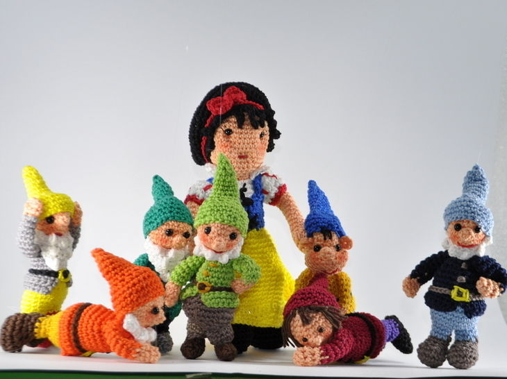 snow white and the seven dwarfs crochet pattern at Makerist - Image 1