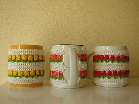 mug cosy flowers - crochet pattern - spring tulips at Makerist