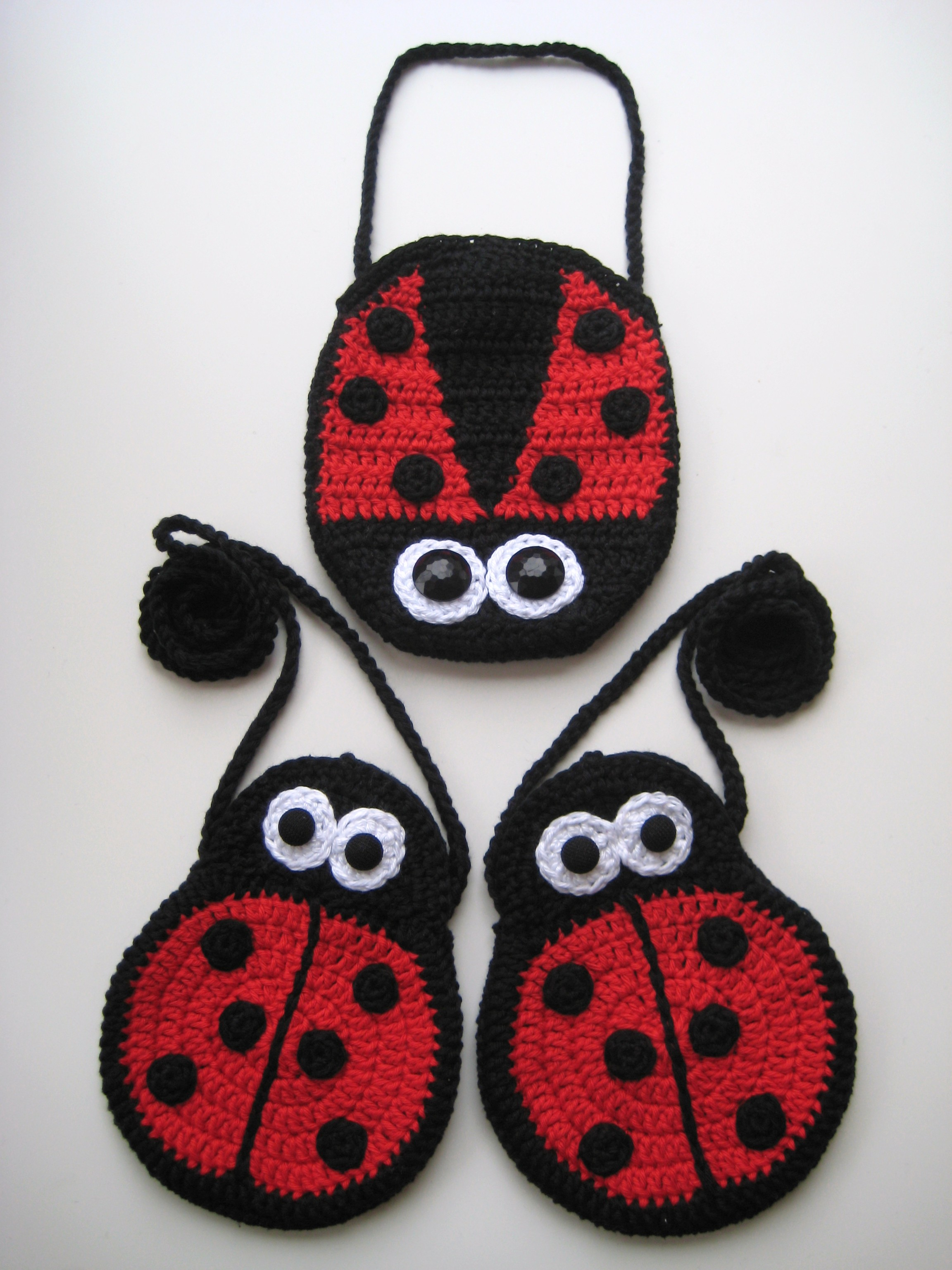 Crochet bags, Two Ladybirds Mummy and Baby, Pattern No6, in both UK and US crochet terms