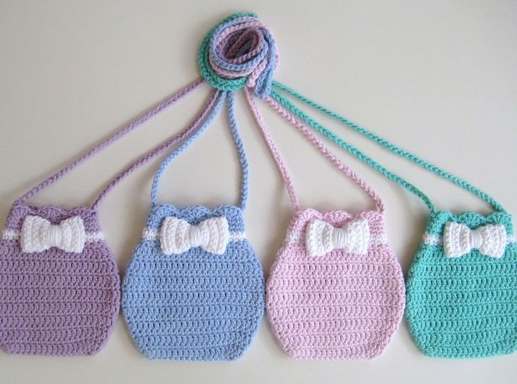 Crochet bag, Bow bag, Pattern No16, in both UK and US crochet terms at Makerist - Image 1