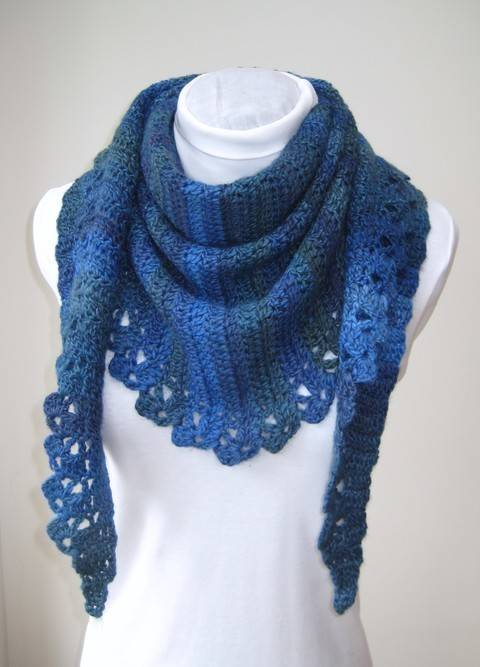 Crochet Scarf Mittens, Blue Wrap, Fingerless mitts, Pattern No23, in both UK and US crochet terms at Makerist