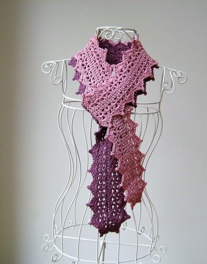 Crochet scarf, Two-tone lace scarf, Pattern No10, in both UK and US crochet terms at Makerist - Image 1