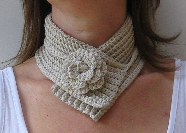 Crochet scarf, Flower neckwrap, Pattern No11, in both UK and US crochet terms at Makerist - Image 1