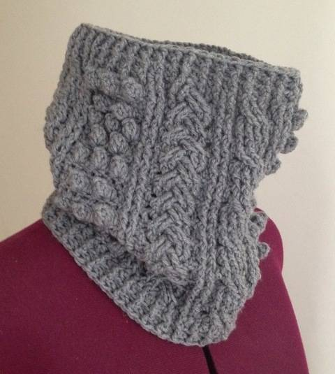 Crochet aran cowl, scarf, wrap, Pattern No21, in both UK and US crochet terms at Makerist