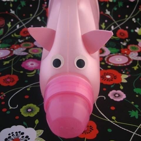 Das Weichspülerflaschen-Sparschwein, Upcycling