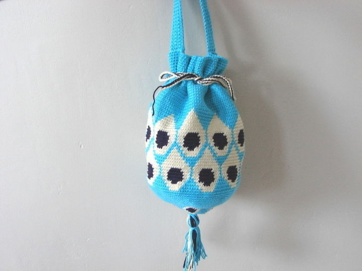 Peacock feather pouch bag - crochet tutorial at Makerist - Image 1
