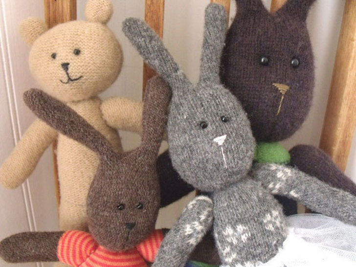 Bunny and Bear - Upcycled Sweater PALS  at Makerist - Image 1