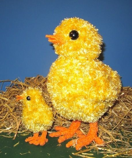 FREE Easter Big Chick Little Chick at Makerist - Image 1