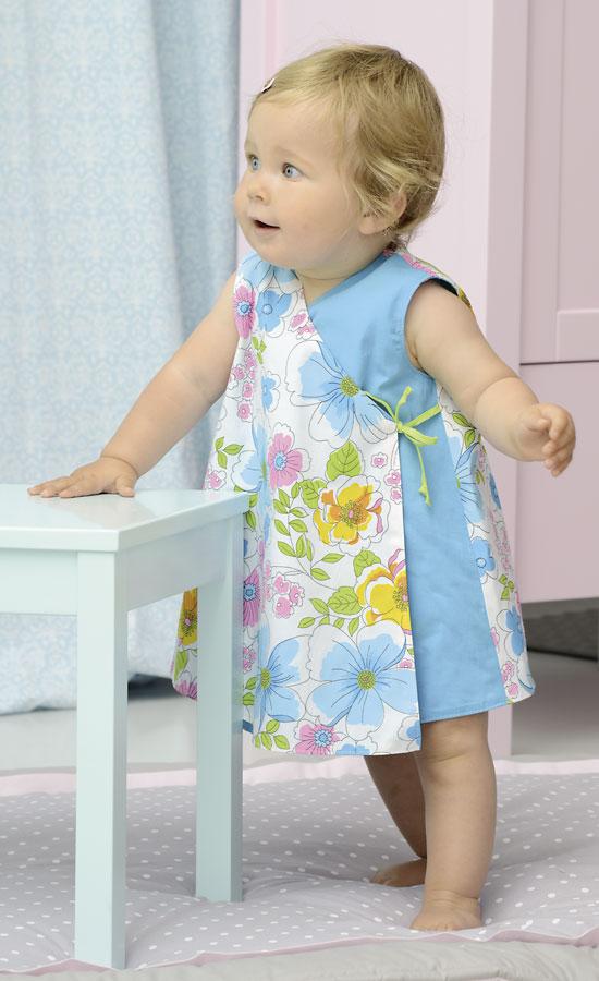 Wickelkleid zum Wenden fürs Baby Nähanleitung mit Schnittmuster