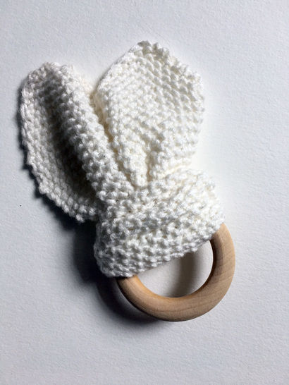 Knitted Bunny Teether at Makerist - Image 1