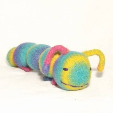 Sleepy Caterpillar at Makerist