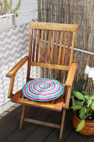 Häkelanleitung für ein Sitzkissen bei Makerist - Bild 1