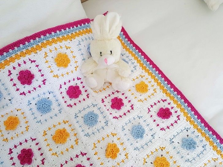 Crochet Blanket, Spring Flowers, Pattern No34, in both UK and US crochet terms at Makerist - Image 1