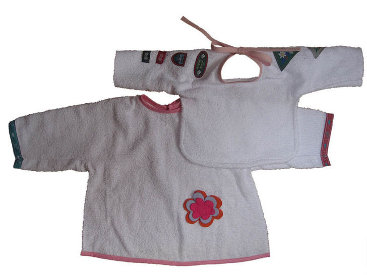 bib with sleeves 2 sizes 2styles at Makerist - Image 1