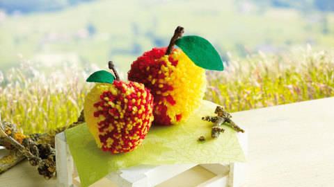 Rot-gelbe Äpfelchen Bastelanleitung