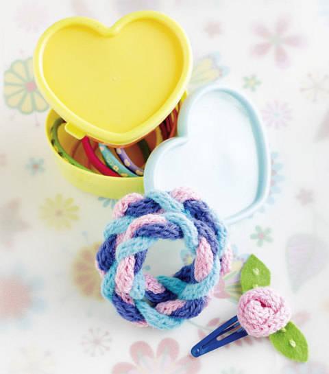 """Zopfarmband & Haarclip """"Rose"""" (Anleitung für Strickliesel) bei Makerist"""
