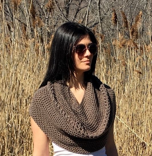 Crochet Cowl Pattern (My Cowl's a Capelet) at Makerist - Image 1