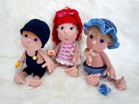 Crochet Pattern Doll Mimi and her gang at Makerist