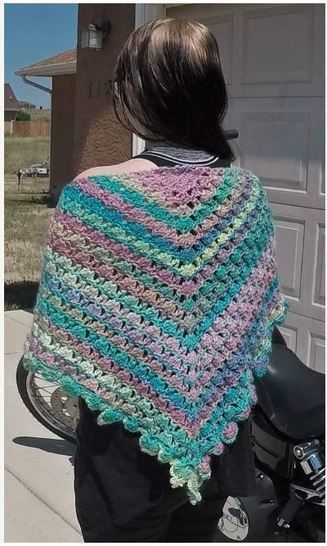 Candied Bleeding Heart Shawl Wrap Pattern with Chart Diagram and Videos PDF at Makerist - Image 1
