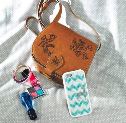 Handtasche und Smartphonehülle Stickanleitung