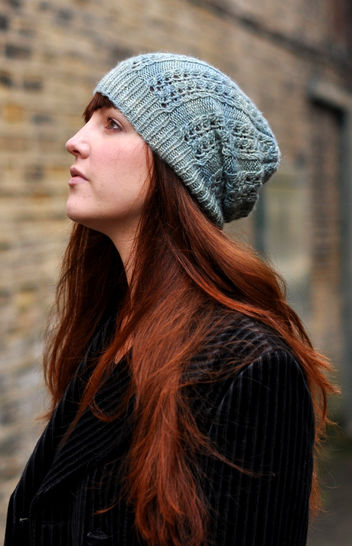 Castiel lacy slouchy hat - knitting pattern at Makerist - Image 1