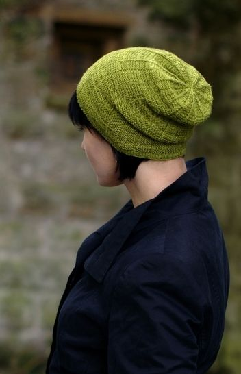 Arkanoid slouchy hat - knitting pattern at Makerist - Image 1