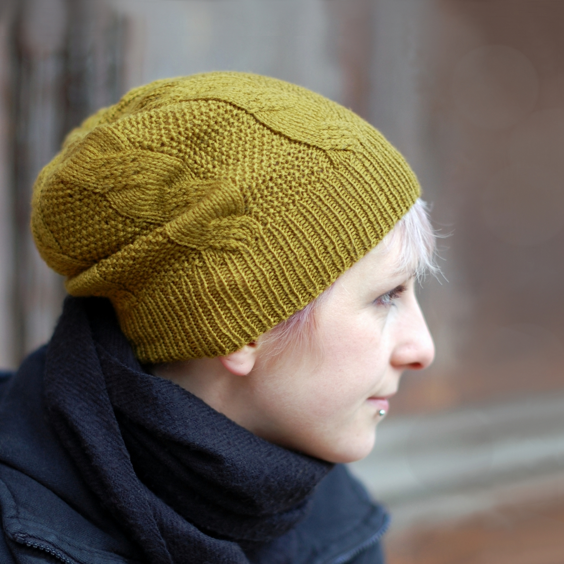 Slable cabled hat - knitting pattern