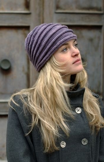 Tucked textured short-row hat - knitting pattern at Makerist - Image 1