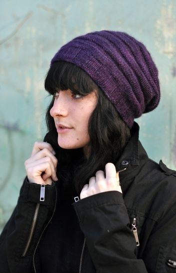Alveare slouchy hat - knitting pattern at Makerist - Image 1