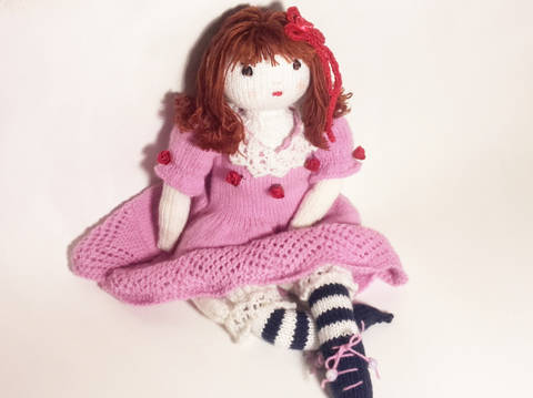 Doll knitting pattern – Finished size : 42 cm (16 ½ inches)–  Number 1