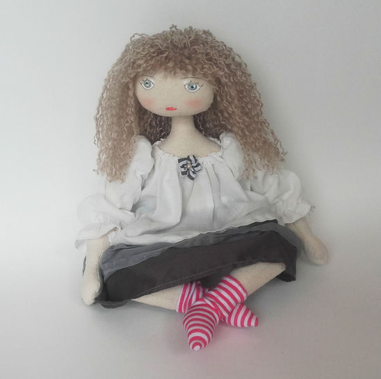 Rag doll sewing pattern - 35 cm (13,65 inches) tall - Suitable for beginners - Number 2 at Makerist - Image 1